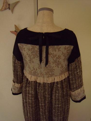 道化師のチュニックドレス バックスタイル