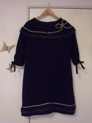 団長のリトルブラックドレス バックスタイル